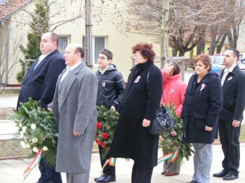 1848-as Forradalom és Szabadságharc ünnepi megemlékezés (2012. március 14.) Koszorúzás az emléktáblánál